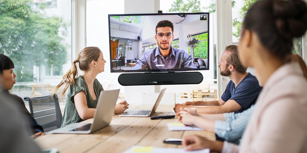 zoom chat leader, Enterprise Sound Bar Collaboration Kit
