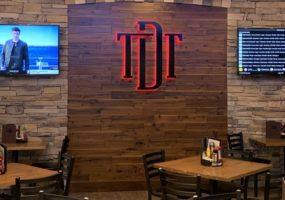 District Tap Sports Bar 4K Video Distribution
